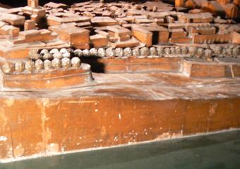 Plastico di Bergamo Alta in legno del 1934. Prima del restauro, particolare.