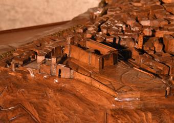 Plastico di Bergamo Alta in legno del 1934. Vista Città Alta, la Rocca.