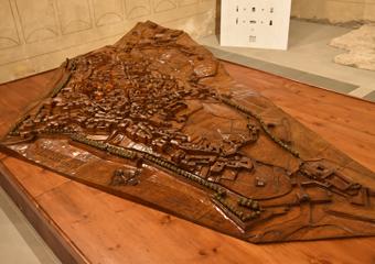 Plastico di Bergamo Alta in legno del 1934. Vista generale del plastico.