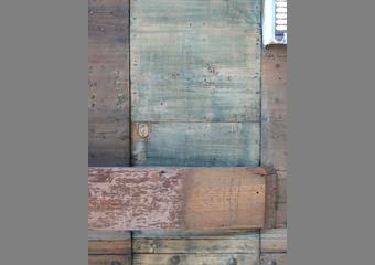 Portone 600' in larice. La portina successivamente ricavata dal grande battente con legno non idoneo, ricerca del legno ideale.