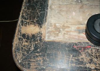 Tavolo in noce ebanizzato seconda parte del 1800. Piano di appoggio con fascia in noce perimetrale di 5 mm. di spessore.