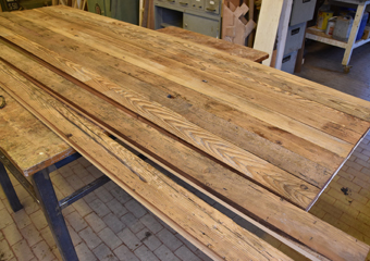Portone in larice stile 700'.Scelta del legno e preparazione delle parti per la realizzazione dei telai dei battenti.